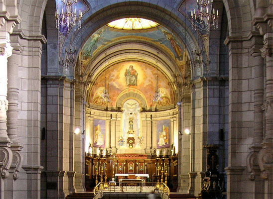 cathedral-altar-beatrice-murch-flickr