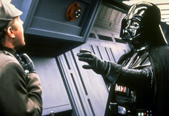 Vader Force choking a subordinate.
