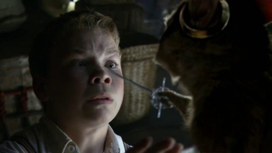 Eustace being threatened by Reepicheep in Voyage of the Dawn Treader