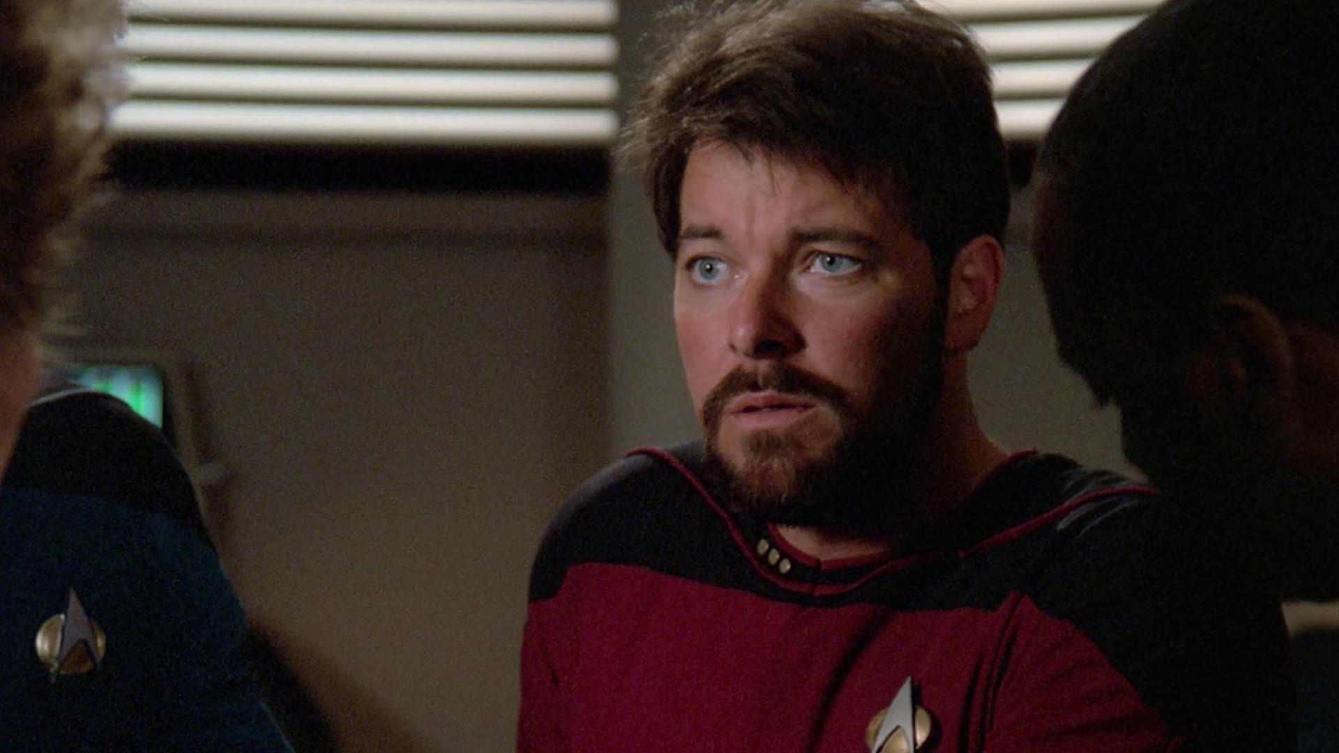 Riker looking confused in sickbay.